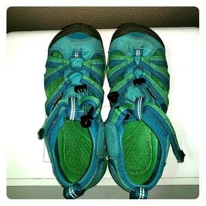 Keen kid's sandals, size 3 green and blue